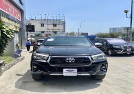 Toyota Hilux 2018 (đưa trước 300tr nhận xe)