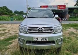 Toyota Fortuner Tự động